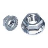 DIN 6923 (Гайка с фланцем и контрящими зубчиками)